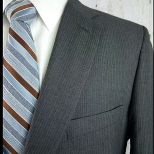 Haggar Suits & Blazers - Haggar 42S Gray Pinstripe 2pc Suit Tailored Fit